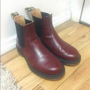 Dr Martens 2976 Leather Chelsea Boot - Cherry Red